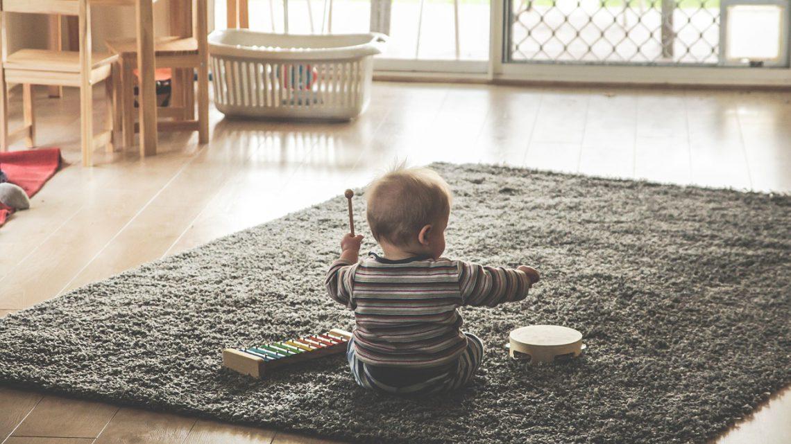 Je vloeren schoonhouden met kinderen
